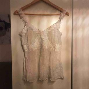 Vitt linne från saint tropez i storlek medium