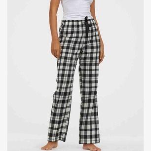 Söker dessa eller liknande pyjamas byxor