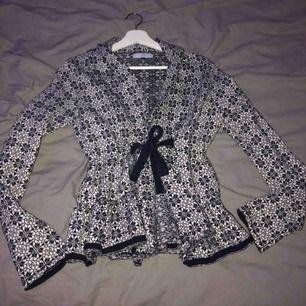Odd Molly tröja köpt i Spanien. Storlek S passar även XS. Pris kan diskuteras. Väldigt bra skick!
