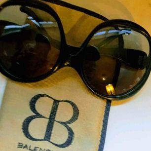 Solglasögon ifrån Balenciaga köpta i New York tidigt 70tal