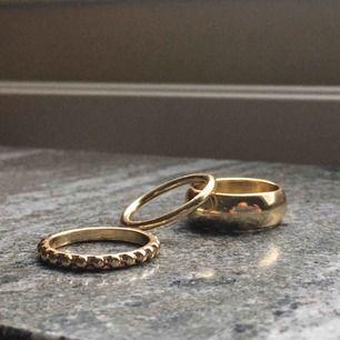 Tre guldfärgade ringar! Frakt på 11kr tillkommer🌟
