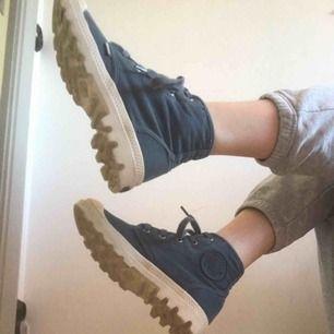 Blå skor från Paladrium💙🥾