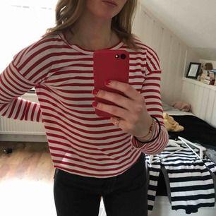 Randig långärmad tröja från Gina Tricot. Mycket bra skick