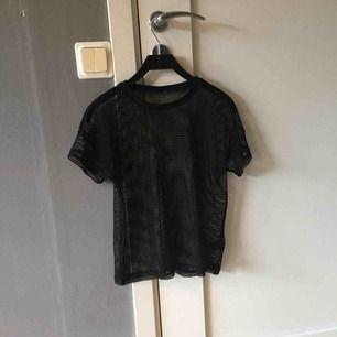 En tröja från Lindex använd fåtal gånger men mycket bra skick.