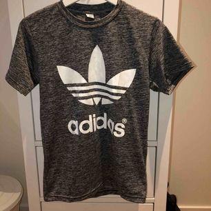 Fake Aidas tröja, använd Max 5 gånger