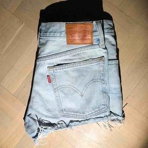 Shorts 501 Levis! Köpta för 2 år sedan men inte använda många gånger pga för liten storlek.