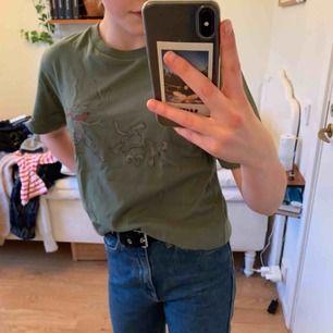 Säljer min fina tshirt med tryck!