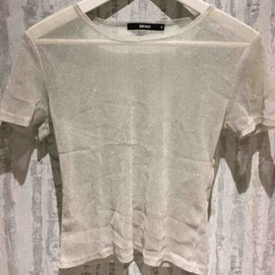 """Glittrig """"t-shirt"""" från Bikbok! Buda gärna Kan mötas upp i Stockholm om det är den 8/4!"""