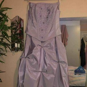 Helt ny balklänning - aldrig använd Storlek 36/38 450kr eller bud 🤩