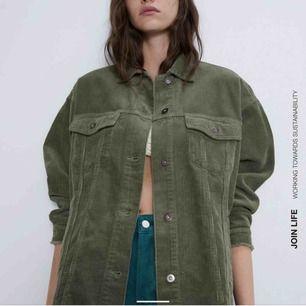 Grön manchester jacka från Zara, nypris 399kr