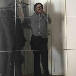 En grå stickad tröja från vila!🐘