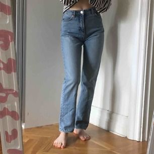 Straight cut jeans från Monki i strl 26! Bra skick:)