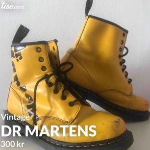 Vintage DR Martens. Pris kan diskuteras vid enkel och smidig affär⭐️💛