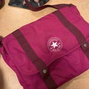Converce väska, kan använda till vardag/skola och både för vuxna och barn