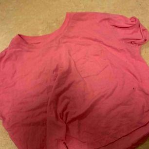 Croptop tröja, fler bilder kan skickas. Stark fin rosa färg