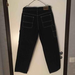 Säljer nu dessa snygga sweet sktbs byxor från junkyard p.g.a att jag aldrig använt de. Frakten står köparen för. 🥰🥰
