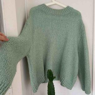 Super fin ljus grön stickad tröja ifrån Zara!