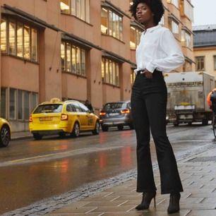 Svarta bootcut jeans från Cubus  skickar egen bild vid intresse!