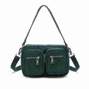 Noella väska, bra skick förutom en dragkedja som råkat gå av därav priset!!💓💓