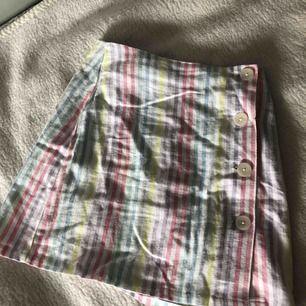 Världens finaste och somrigaste kjol från Primark i storlek 36, säljs pga för liten!