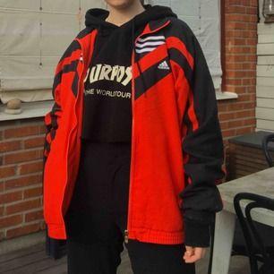 Asball adidas trackjacka, jag på bild är S. Frakt 65kr