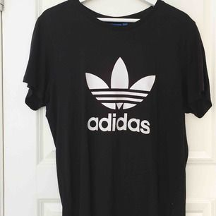 Adidas tröja 106kr+44 frakt
