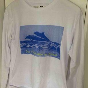 Denna jättesöta långärmade T-shirt säljer jag då jag inte använder den! Har använt den ca 4gånger sen jag fick den i höstas!