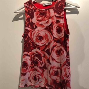 super fint linne i stretch material typ, super retro still💙 (frakt 42kr)