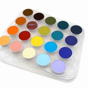(Lånade bilder) säljer panpastel i olika färger som är oanvända. Dom är väldigt bra och lätta att måla/rita med! Skriv till mig privat vilka färger ni är intresserade av så får ni bilder och namn på dom. Pros kan diskuteras 🥰