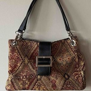 Super fin vintage väska som tyvärr inte kommer till användning!