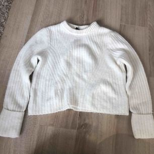 Stickad tröja från hm! Storlek M