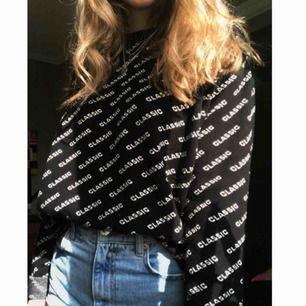 🖤🤍 Sweater från chiquelle. Fint skick :) Köparen står för frakten <3