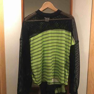 Fin tröja från The Ragged Priest i storlek S. Endast använd fåtal gånger och är i bra kvalité.