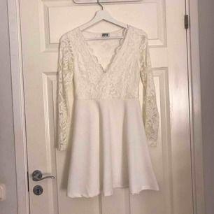 Vit klänning till skolavslutning, student osv Använd en gång