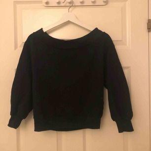 Off shoulder tröja