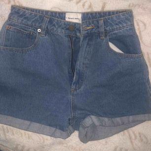 Shorts från A brand, nypris 1500kr! Aldrig använda