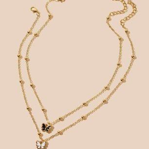 Två separata guldfärgade halsband med fjärilar, 50kr/styck! 🤍🤍