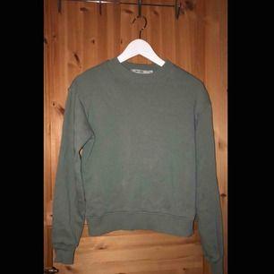 Grön sweatshirt från Nakd