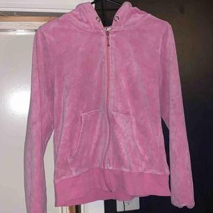 Säljer min rosa kofta från Cubus då den aldrig används längre