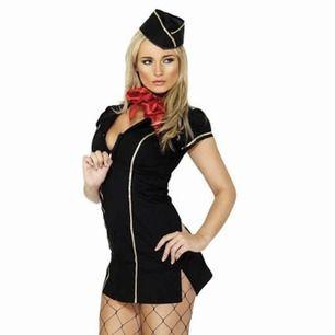 Oanvänd halloweendräft, flygvärdinna. Man får mössa, scarf och klänning