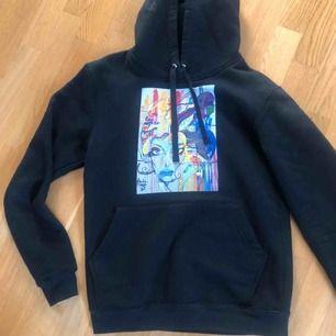 Jättefin hoodie från the cool elefant, storlek S och nästintill ny