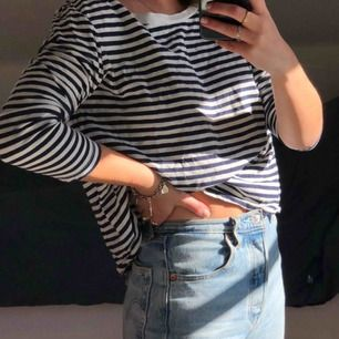 Randig tröja från Zara som tyvärr inte kommer till användning! Frakt: 20kr