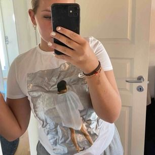 Cool t-shirt från Zara, storlek S Frakt 63kr