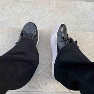 Ascoola lackade skor från puma! Säljer då de inte kommer till användning längre.