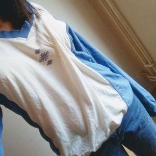 En cool vintage tröja fyndade på secondhand.