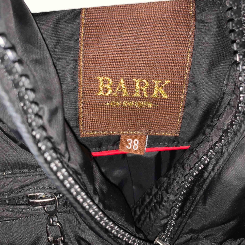 Jacka från Bark of Sweden. Storlek 38. 100kr + 95kr i frakt.. Jackor.