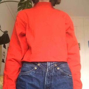 🟥Avklippt röd polotröja från Humana🟥