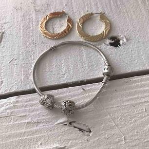 Nu säljer jag av mina smycken  Pandora armband Örhängen från nakd