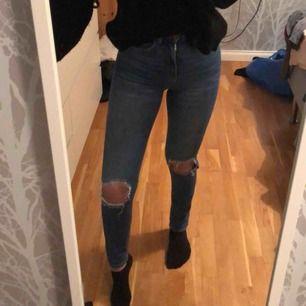 Supersnygga jeans med bra passform!
