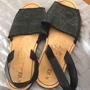 Säljer sommar skor